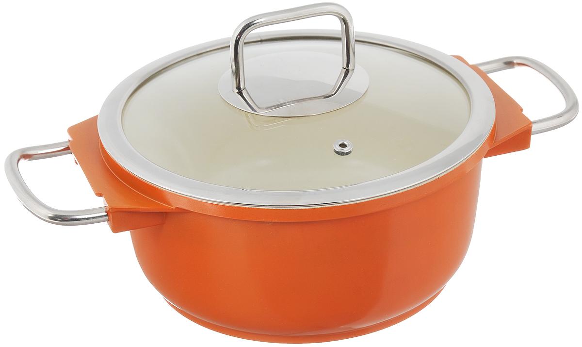 Кастрюля Mayer & Boch с крышкой, с керамическим покрытием, цвет: оранжевый, 2,5 л21236_оранжевыйКастрюля Mayer & Boch изготовлена из высококачественного алюминия с керамическим покрытием. Керамика не содержит вредной примеси ПФОК, поэтому является экологически чистой и безопасной для здоровья. Кроме того, с таким покрытием пища не пригорает и не прилипает к стенкам, поэтому можно готовить с минимальным добавлением масла и жиров. Гладкая поверхность легко чистится - ее можно мыть в воде руками или вытирать полотенцем. Кастрюля эффективно сохраняет тепло и быстро разогревает продукты. Энергосберегающая технология позволяет готовить быстрее, с меньшими затратами энергии. Кастрюля оснащена металлическими ручками, что делает процесс эксплуатации более удобным и комфортным. Крышка из термостойкого стекла снабжена металлическим ободом, удобной металлической ручкой и отверстием для выпуска пара. Такая крышка позволит следить за процессом приготовления пищи без потери тепла. Она плотно прилегает к краям кастрюли, сохраняя аромат блюд. ...