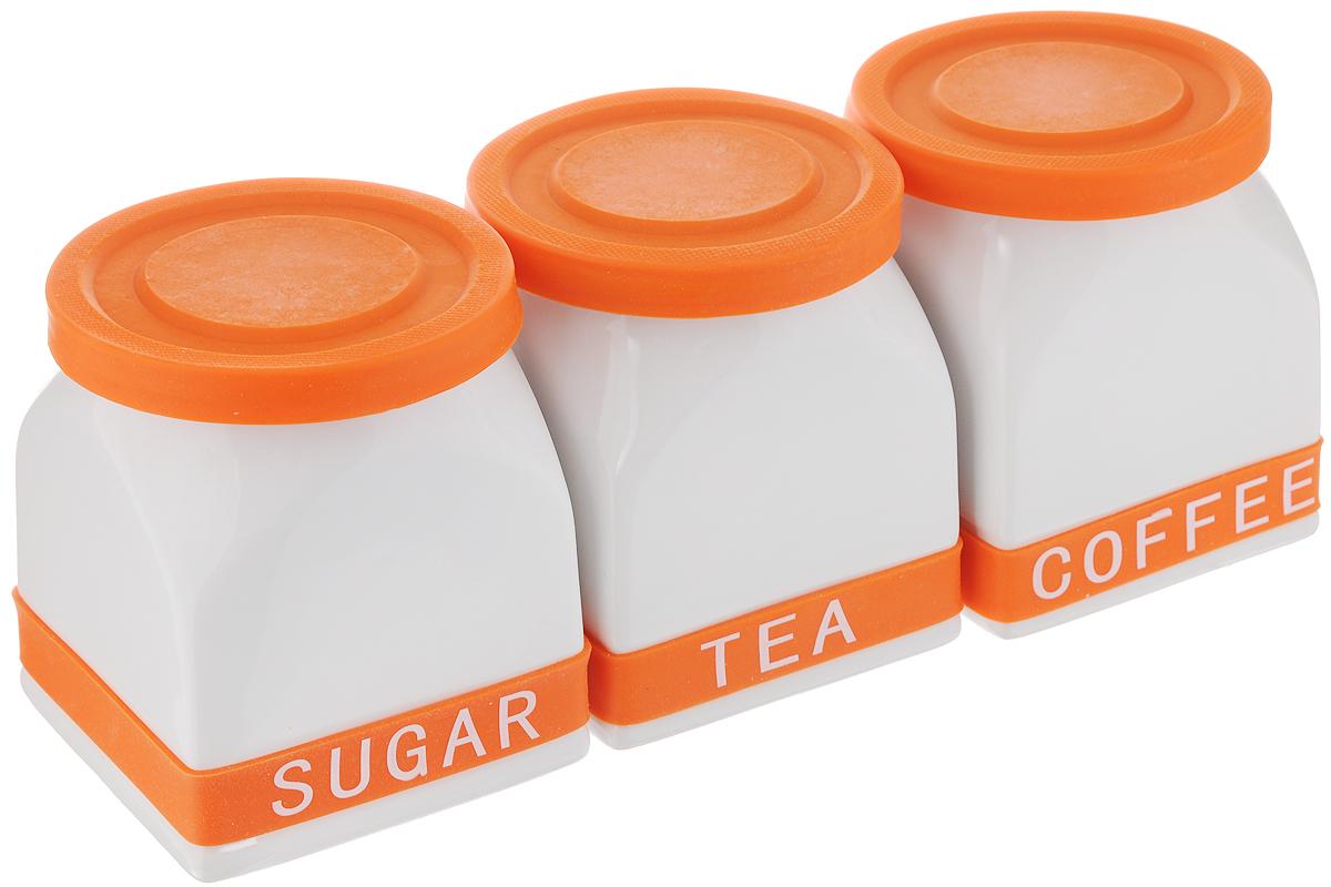 Набор банок для сыпучих продуктов Mayer & Boch, цвет: белый, оранжевый, 3 шт21639_белый,оранжевыйБанки для сыпучих продуктов Mayer & Boch изготовлены из прочной керамики высокого качества. Изделия оснащены крышками и ободками, выполненными из силикона. На ободках расположены надписи, идентифицирующие содержимое банок. Гладкая и ровная поверхность обеспечивает легкую чистку. В комплект входит 3 банки для хранения сахара, кофе и чая. Изысканный и утонченный дизайн сделает такие банки не просто емкостью для сыпучих продуктов, а настоящим предметом декора, который стильно дополнит ваш кухонный интерьер. Можно мыть в посудомоечной машине. Объем каждой банки: 700 мл. Диаметр (по верхнему краю): 10 см. Размер дна: 10 х 10 см. Высота банок (без учета крышки): 11,5 см.