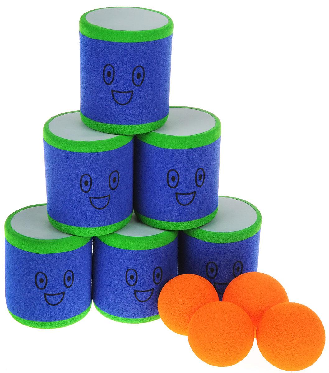 Safsof Игровой набор Городки цвет синий зеленый оранжевыйAT-02N(B)_синий,зеленый,оранжевыйИгровой набор Safsof Городки, изготовленный из вспененной резины и полимерных материалов, состоит из шести ярких банок и четырех мячиков. Цель игры: выбить как можно больше фигур, построенных из трех и более городков (банок), мячами с определенного расстояния. Каждый участник сбивает фигуру с одного и того же расстояния, на каждую фигуру дается три броска. Если игроку удается сбить фигуру с первого броска, он получает 3 балла, со второго - 2 и с третьего - 1. Выигрывает тот участник, который набирает большее количество баллов. Благодаря яркой расцветке и легкому и безопасному материалу, с этим набором можно играть не только на улице, но и дома. Набор поставляется в удобной пластиковой сумке с ручками.