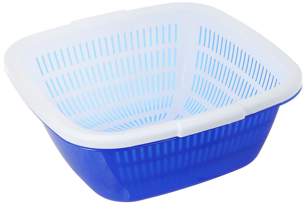 Дуршлаг Dunya Plastik, с поддоном, цвет: синий, белый, 9,5 л10226_синий,белыйДуршлаг квадратный Dunya Plastik, изготовленный из пластика, станет полезным приобретением для вашей кухни. Он идеально подходит для процеживания, ополаскивания и стекания макарон, овощей, фруктов. Дуршлаг оснащен поддоном, устойчивым основанием и удобными ручками по бокам. Дуршлаг Dunya Plastik займет достойное место среди аксессуаров на вашей кухне. Размер дуршлага по верхнему краю (с учетом ручек): 34 см х 35 см. Внутренний размер дуршлага: 29,5 см х 29,5 см. Высота стенки дуршлага: 13 см. Размер поддона: 33,5 см х 33,5 см х 13,5 см. Объем дуршлага: 9,5 л.