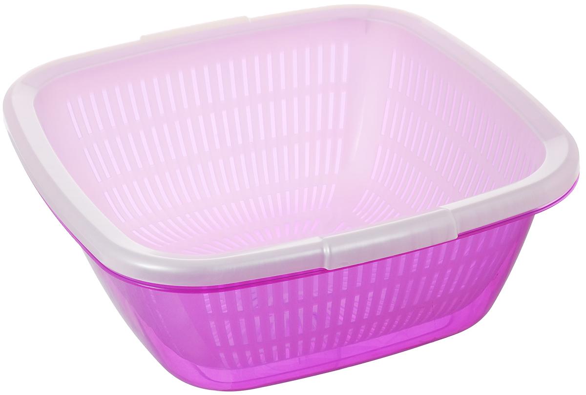 Дуршлаг Dunya Plastik, с поддоном, цвет: сиреневый, белый, 9,5 л10223_белый, сиреневыйДуршлаг квадратный Dunya Plastik, изготовленный из пластика, станет полезным приобретением для вашей кухни. Он идеально подходит для процеживания, ополаскивания и стекания макарон, овощей, фруктов. Дуршлаг оснащен поддоном, устойчивым основанием и удобными ручками по бокам. Дуршлаг Dunya Plastik займет достойное место среди аксессуаров на вашей кухне. Размер дуршлага по верхнему краю (с учетом ручек): 34 см х 35 см. Внутренний размер дуршлага: 29,5 см х 29,5 см. Высота стенки дуршлага: 13 см. Размер поддона: 33,5 см х 33,5 см х 13,5 см. Объем дуршлага: 9,5 л.