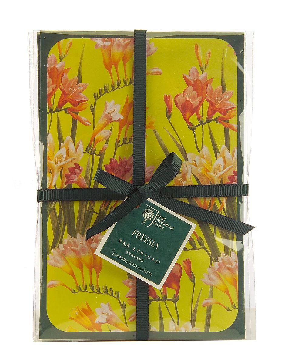 Набор ароматических саше Wax Lyrical Цветущая фрезия, 2 шт, 45 гRH5612Нежный сенсорный цветочный аромат с тонким аккордом свежесорванных листьев сочетает в себе ноты фрезии, гардении и орхидеи, рождая чистый и женственный аромат.