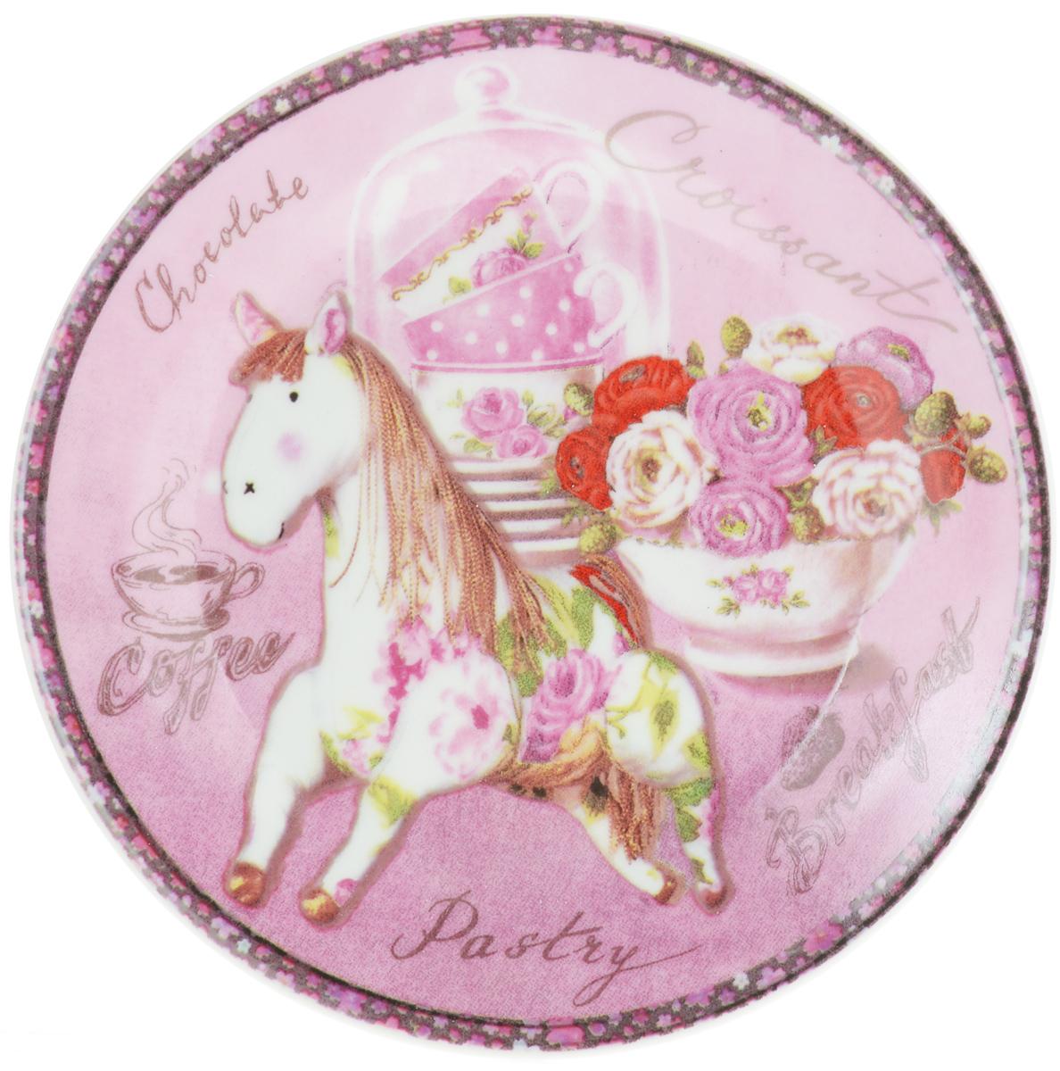 Тарелка декоративная Besko Завтрак, диаметр 18 см515-488_завтракДекоративная тарелка Besko Завтрак выполнена из высококачественной керамики, покрытой слоем сверкающей глазури. Изделие оформлено красочным изображением лошади и цветов. Такая тарелка украсит интерьер вашей кухни и подчеркнет прекрасный вкус хозяина, а также станет отличным подарком. Диаметр: 18 см. Высота: 2 см.