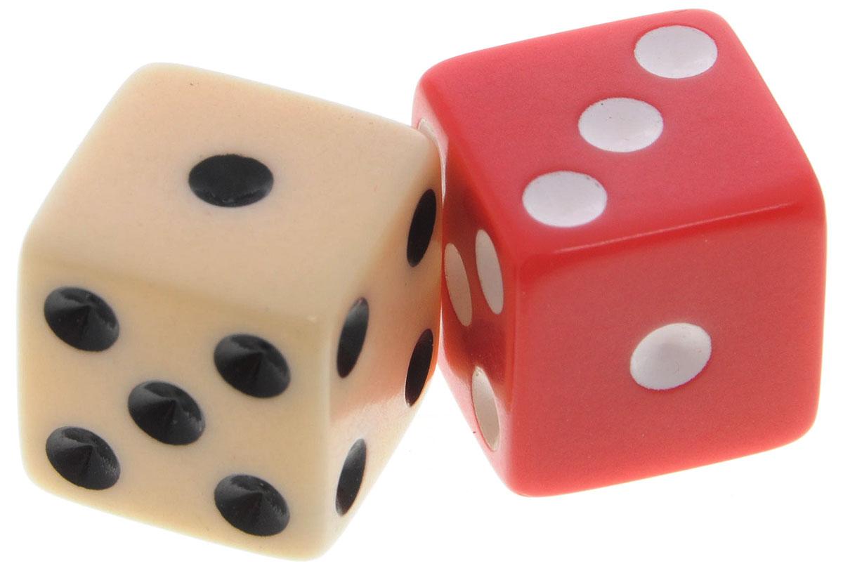 Koplow Games Набор игральных костей Простые D6 цвет красный бежевый 2 шт2000_красный, бежевыйНабор игральных костей Koplow Games Простые предназначен для настольных игр. Набор состоит из двух шестигранных костей, на каждую грань которых нанесены числа от 1 до 6. Целью игральной кости является демонстрация случайно определенного числа, каждое из которых является равновозможным благодаря правильной геометрической форме. Игральные кости выполнены из прочного пластика. Игральные кости выполнены из прочного пластика.