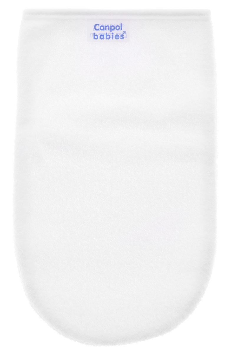 Canpol Babies Рукавичка для купания цвет белый26/110_белый, белая окантовкаРукавичка для купания Canpol Babies разработана специально для ежедневного купания. Удобная форма позволяет нежно мыть тело ребенка во время купания. Изготовлена из мягкого хлопка. Перед первым и каждым последующим использованием помойте рукавичку в теплой мыльной воде, тщательно ополосните и повесьте сушиться. Не кипятите, не стерилизуйте! Тщательно проверяйте перед каждым использованием, замените при первых признаках повреждения!
