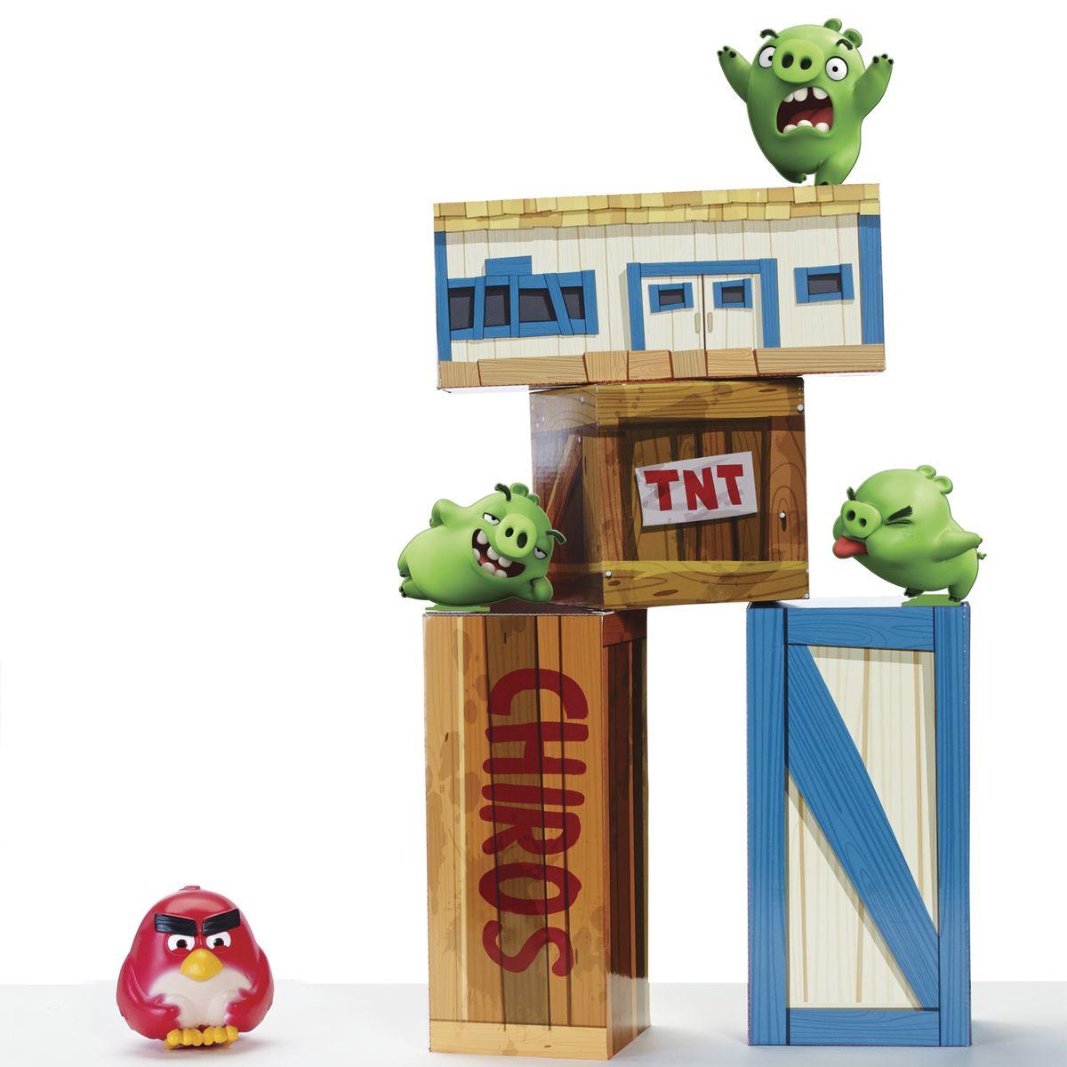 Angry Birds Игровой набор Взрывная птичка90506Игровой набор взрывная птичка и тяжелые блоки. В наборе виниловая птичка-шар, поросята, тяжелые кубики и блоки. 1 вид в ассортименте.