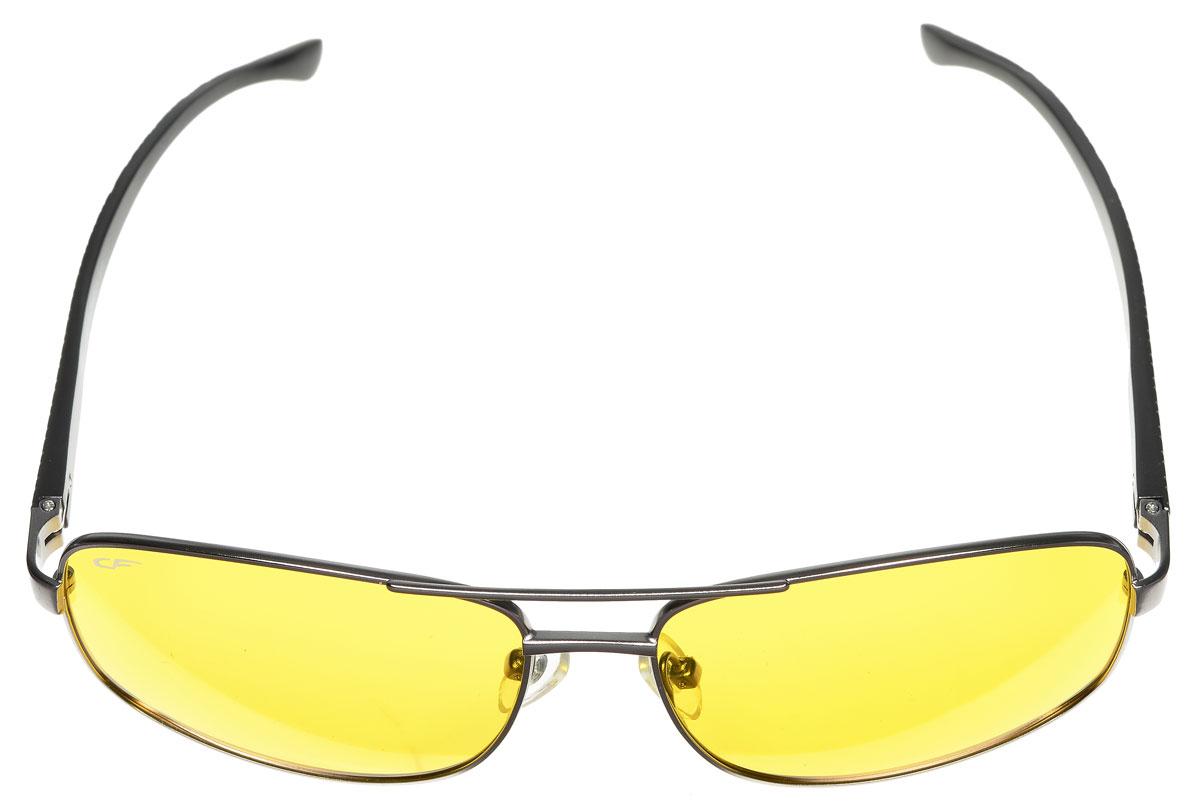 Очки поляризационные Cafa France, цвет: серый металлик, желтый. CF632YCF632YПоляризационные очки с желтыми линзами Cafa France предназначены для вождения автомобиля в условиях плохой видимости (снег, дождь, туман, сумерки). Очки с желтой линзой в в таких условиях гарантируют: - значительное уменьшение ослепления фарами встречных автомобилей; - отличную видимость; - защиту от бликов; - повышение контрастности и четкости изображения; - снижение усталости глаз; - эффект солнца и позитивный настрой. Изделие имеет металлическую оправу с дужками, оформленными рельефным узором. Такие очки обеспечат комфорт и безопасность во время вождения.