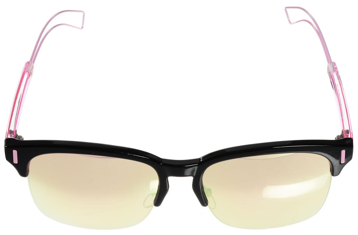 Очки солнцезащитные женские Vitacci, цвет: черный, розовый. O162O162Стильные солнцезащитные очки Vitacci выполнены из металла и высококачественного пластика. Линзы данных очков обладают высокоэффективным поляризационным покрытием со степенью защиты от ультрафиолетового излучения UV400. Используемый пластик не искажает изображение, не подвержен нагреванию и вредному воздействию солнечных лучей. Оправа очков легкая, прилегающей формы, дополнена носоупорами и поэтому обеспечивает максимальный комфорт. Такие очки защитят глаза от ультрафиолетовых лучей, подчеркнут вашу индивидуальность и сделают ваш образ завершенным.