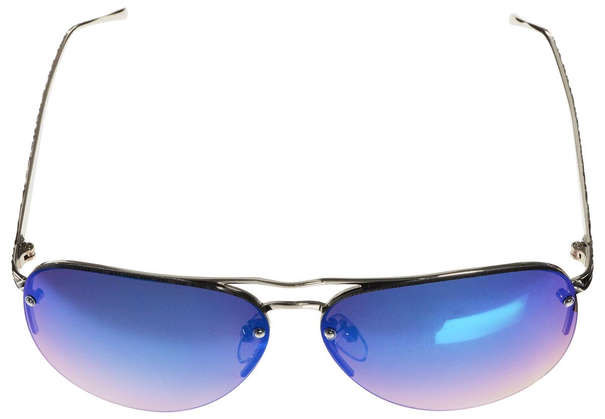 Очки солнцезащитные женские Vitacci, цвет: серебряный, черный. G113G113Стильные солнцезащитные очки Vitacci выполнены из металла с элементами из высококачественного пластика. Линзы данных очков имеют степень затемнения С6, а также обладают высокоэффективным поляризационным покрытием со степенью защиты от ультрафиолетового излучения UV400. Используемый пластик не искажает изображение, не подвержен нагреванию и вредному воздействию солнечных лучей. Оправа очков легкая, прилегающей формы, дополнена носоупорами и поэтому обеспечивает максимальный комфорт. Дужки оформлены декоративным тиснением по металлу. Такие очки защитят глаза от ультрафиолетовых лучей, подчеркнут вашу индивидуальность и сделают ваш образ завершенным.