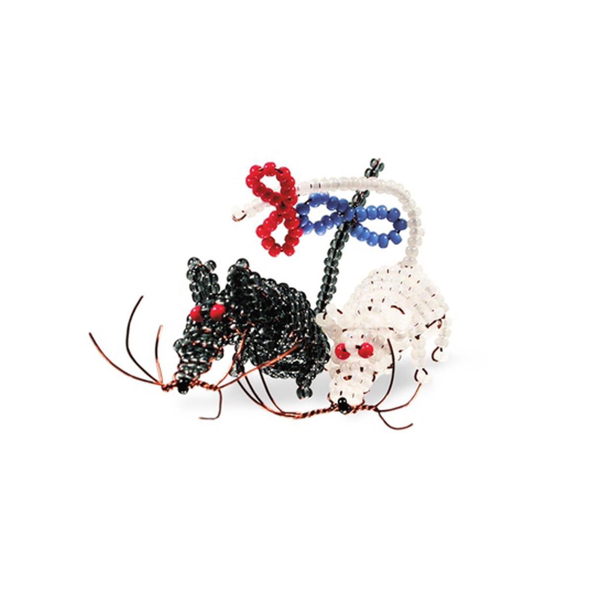 Набор для бисероплетения Кроше Сладкая парочка645118В последнее время плетение бисером набирает популярность среди рукодельниц. Научиться созданию изделий из маленьких ярких бусинок вполне реально, это будет под силу даже детям. Вашему вниманию предлагается многообразие наборов по бисероплению от бренда Кроше. Выбирайте любой из понравившихся и приступайте к созданию шедевра. Состав набора: чешский бисер, проволока для бисера, схема и описание к работе.