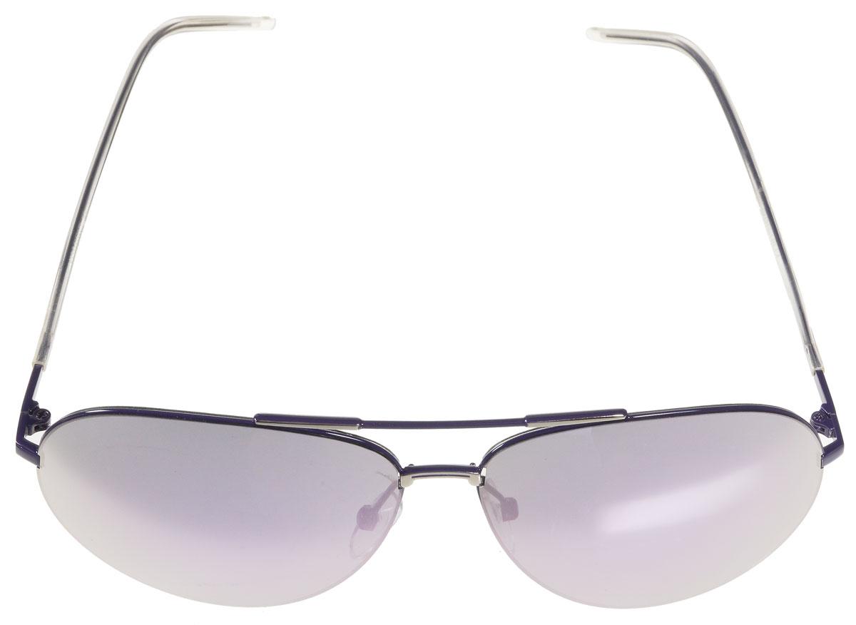 Очки солнцезащитные женские Vitacci, цвет: фиолетовый. G129G129Стильные солнцезащитные очки Vitacci выполнены из металла с элементами из высококачественного пластика. Линзы данных очков имеют степень затемнения С4, а также обладают высокоэффективным поляризационным покрытием со степенью защиты от ультрафиолетового излучения UV400. Используемый пластик не искажает изображение, не подвержен нагреванию и вредному воздействию солнечных лучей. Оправа очков легкая, прилегающей формы, дополнена носоупорами и поэтому обеспечивает максимальный комфорт. Такие очки защитят глаза от ультрафиолетовых лучей, подчеркнут вашу индивидуальность и сделают ваш образ завершенным.