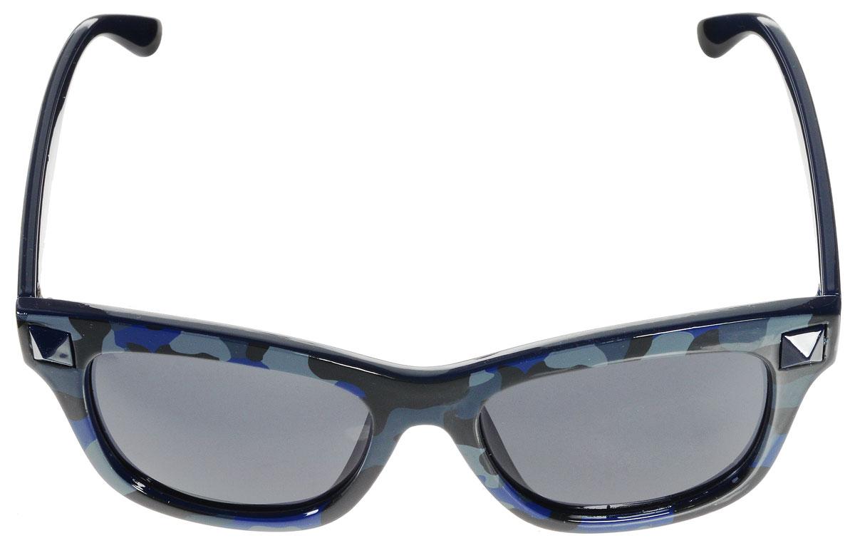 Очки солнцезащитные женские Vitacci, цвет: черный, синий, серый. H45H45Стильные солнцезащитные очки Vitacci выполнены из высококачественного пластика. Линзы данных очков обладают высокоэффективным поляризационным покрытием со степенью защиты от ультрафиолетового излучения UV400. Используемый пластик не искажает изображение, не подвержен нагреванию и вредному воздействию солнечных лучей. Пластиковая оправа очков легкая, прилегающей формы и поэтому обеспечивает максимальный комфорт. Оправа оформлена стильным принтом и декоративными элементами. Такие очки защитят глаза от ультрафиолетовых лучей, подчеркнут вашу индивидуальность и сделают ваш образ завершенным.