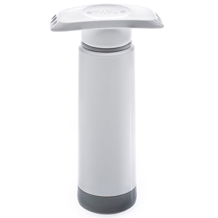 STATUS VP 159102 вакуумный насос ручнойVP 159102Ручной насос для создания вакуума Подходит для всех вакуумных контейнеров, крышек, пробок, кувшинов, чаш компании STATUS Очищайте насос только с помощью влажной ткани Не мойте насос в ПММ Сделано в Словении