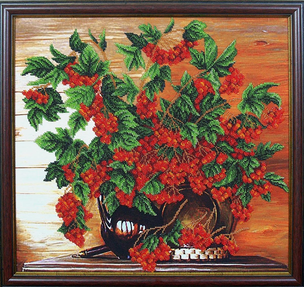Набор для вышивания бисером Магия канвы Калина красная, 42 х 40 см309097Наборы для вышивания бисером Магия канвы - это качественные материалы и красивые сюжеты, которые помогут вам создать маленькое чудо. В состав набора для вышивания бисером Калина красная входит: уплотненная ткань с нанесенным рисунком, бисер Preciosa (Чехия) - 16 цветов, игла, инструкция.