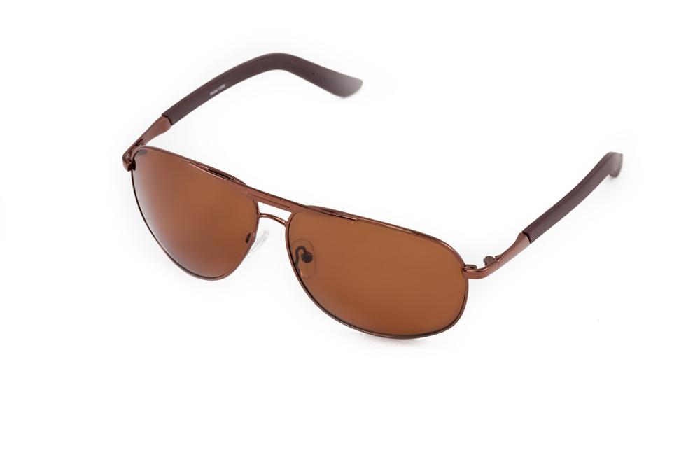 Очки солнцезащитные Mitya Veselkov, цвет: коричневый. MSK-1306MSK-1306Стильные солнцезащитные очки Mitya Veselkov выполнены из металла и высококачественного пластика. Линзы очков обладают поляризационным покрытием, которое обеспечивает зрительный комфорт. Используемый пластик не искажает изображение, не подвержен нагреванию и вредному воздействию солнечных лучей. Оправа очков легкая, прилегающей формы, дополнена носоупорами и поэтому обеспечивает максимальный комфорт. Такие очки защитят глаза от ультрафиолетовых лучей, подчеркнут вашу индивидуальность и сделают ваш образ завершенным.