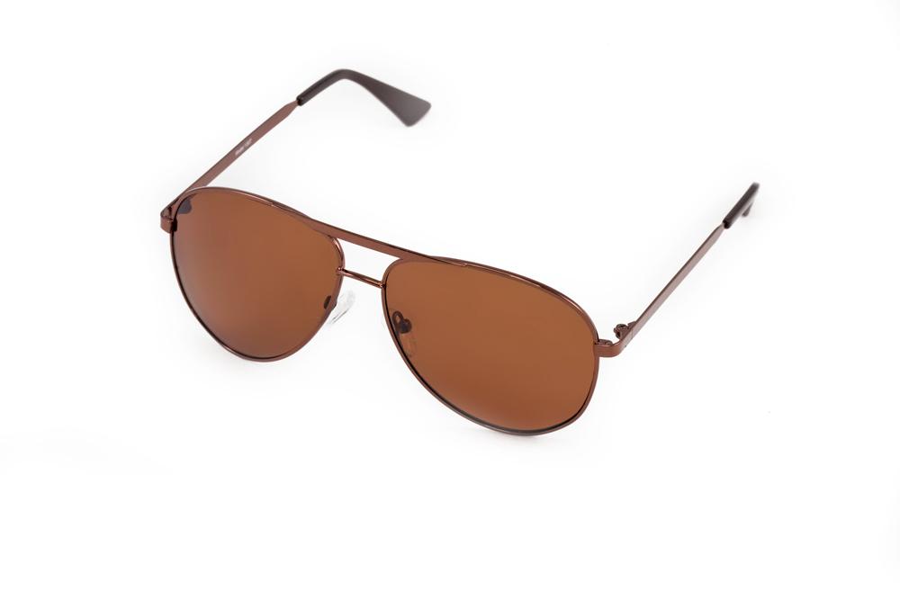 Очки солнцезащитные Mitya Veselkov, цвет: коричневый. MSK-1307MSK-1307Стильные солнцезащитные очки Mitya Veselkov выполнены из металла и высококачественного пластика. Линзы очков обладают поляризационным покрытием, которое обеспечивает зрительный комфорт. Используемый пластик не искажает изображение, не подвержен нагреванию и вредному воздействию солнечных лучей. Оправа очков легкая, прилегающей формы, дополнена носоупорами и поэтому обеспечивает максимальный комфорт. Такие очки защитят глаза от ультрафиолетовых лучей, подчеркнут вашу индивидуальность и сделают ваш образ завершенным.