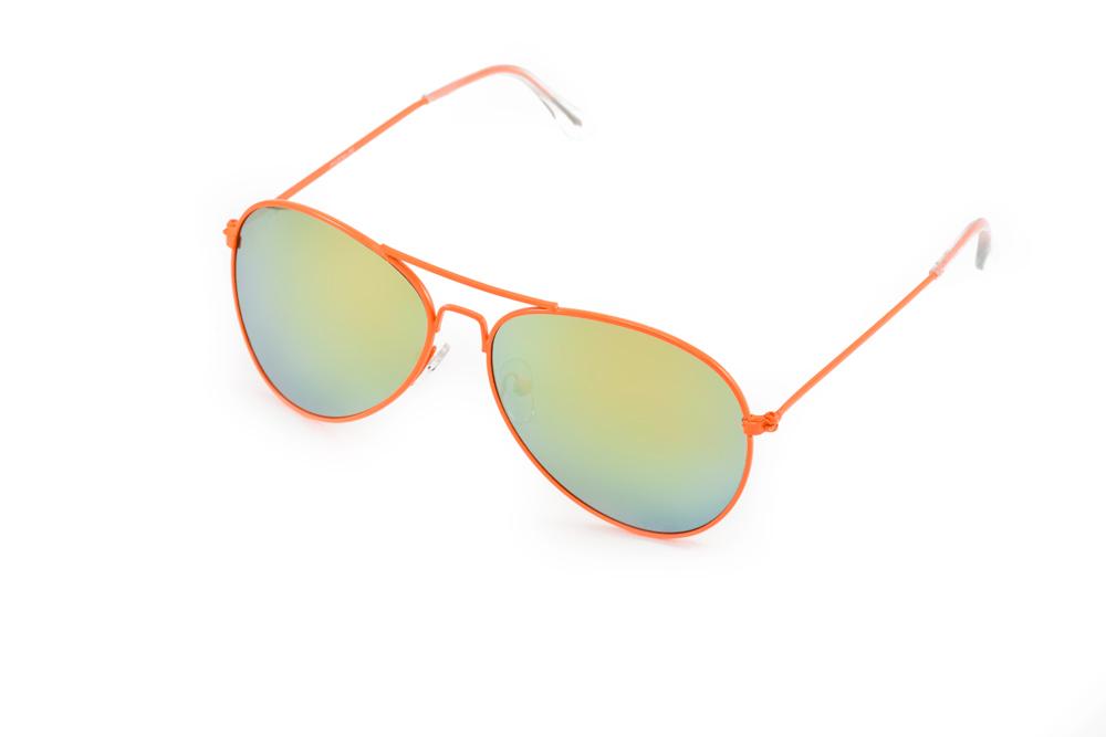 Очки солнцезащитные Mitya Veselkov, цвет: оранжевый, желтый. P1234-38OMP1234-38OMСтильные солнцезащитные очки Mitya Veselkov выполнены из металла и высококачественного пластика. Линзы данных очков дополнены зеркальным покрытием. Используемый пластик не искажает изображение, не подвержен нагреванию и вредному воздействию солнечных лучей. Оправа очков легкая, прилегающей формы, дополнена носоупорами и поэтому обеспечивает максимальный комфорт. Такие очки защитят глаза от ультрафиолетовых лучей, подчеркнут вашу индивидуальность и сделают ваш образ завершенным.