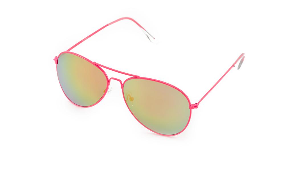 Очки солнцезащитные Mitya Veselkov, цвет: розовый, желтый. P1234-38PMP1234-38PMСтильные солнцезащитные очки Mitya Veselkov выполнены из металла и высококачественного пластика. Линзы данных очков дополнены зеркальным покрытием. Используемый пластик не искажает изображение, не подвержен нагреванию и вредному воздействию солнечных лучей. Оправа очков легкая, прилегающей формы, дополнена носоупорами и поэтому обеспечивает максимальный комфорт. Такие очки защитят глаза от ультрафиолетовых лучей, подчеркнут вашу индивидуальность и сделают ваш образ завершенным.