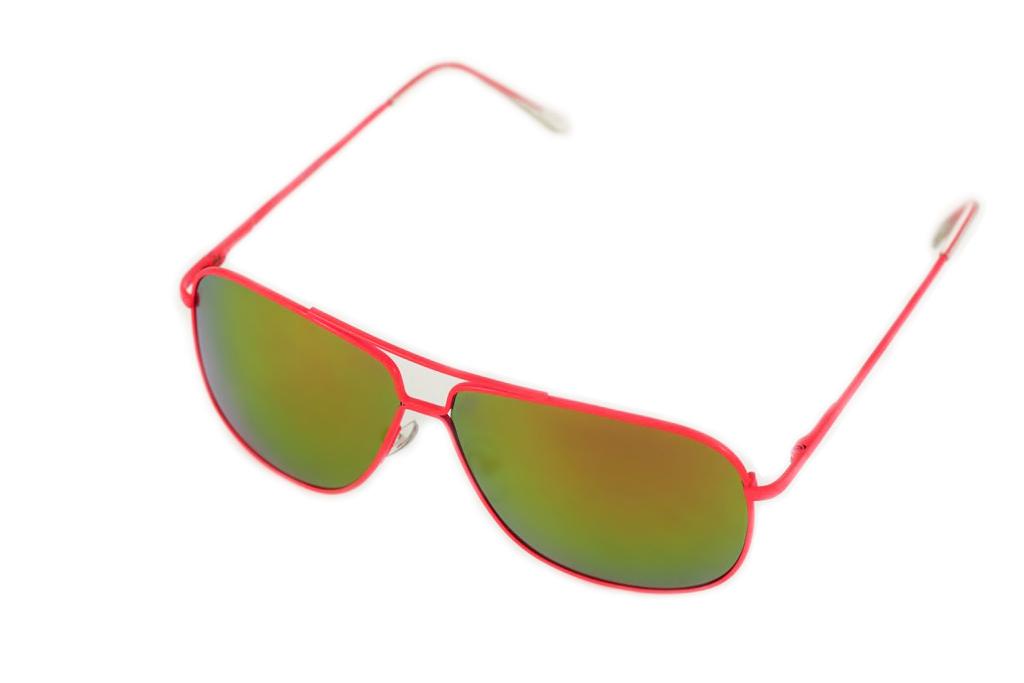 Очки солнцезащитные Mitya Veselkov, цвет: розовый, желтый. P4222-120PMP4222-120PMСтильные солнцезащитные очки Mitya Veselkov выполнены из металла и высококачественного пластика. Линзы данных очков дополнены зеркальным покрытием. Используемый пластик не искажает изображение, не подвержен нагреванию и вредному воздействию солнечных лучей. Оправа очков легкая, прилегающей формы, дополнена носоупорами и поэтому обеспечивает максимальный комфорт. Такие очки защитят глаза от ультрафиолетовых лучей, подчеркнут вашу индивидуальность и сделают ваш образ завершенным.