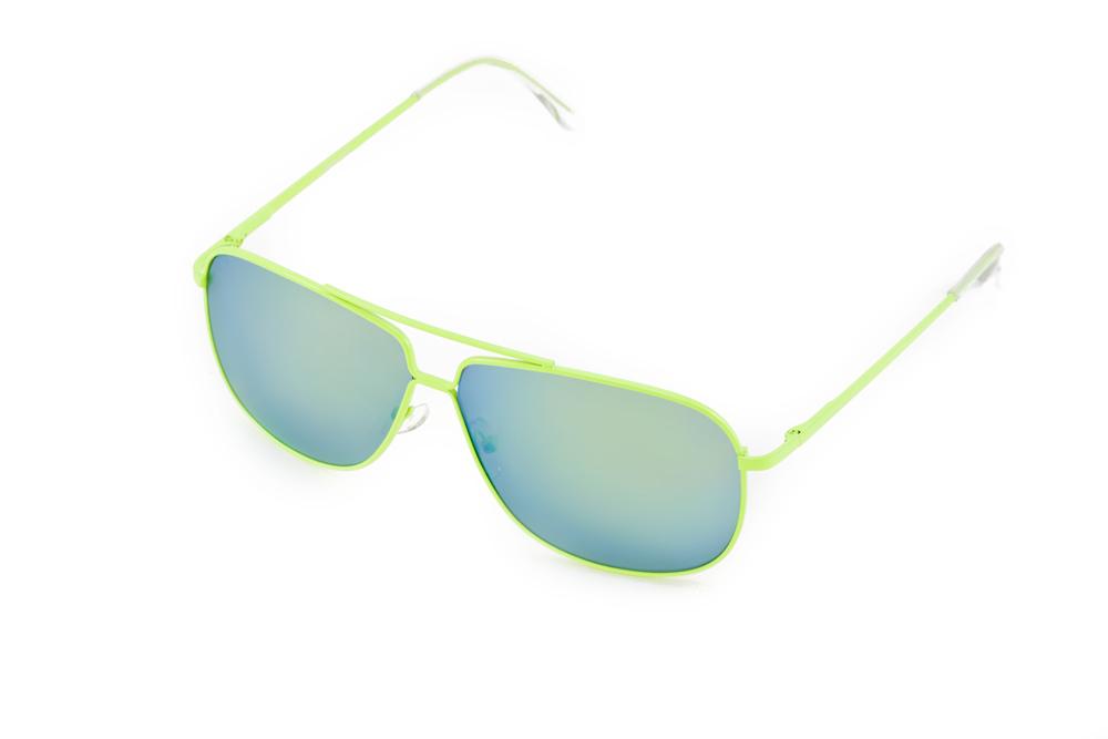 Mitya Veselkov Очки солнцезащитные P4222-120YMP4222-120YMСтильные солнцезащитные очки станут прекрасным и модным аксессуаром для Вас и защитят от УФ лучей.