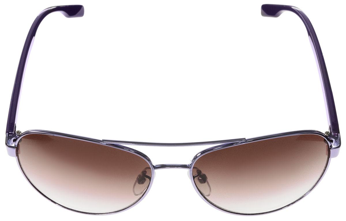 Очки солнцезащитные женские Vitacci, цвет: фиолетовый. G142G142Стильные солнцезащитные очки Vitacci выполнены из металла с элементами из высококачественного пластика. Линзы данных очков имеют степень затемнения С5, а также обладают высокоэффективным поляризационным покрытием со степенью защиты от ультрафиолетового излучения UV400. Используемый пластик не искажает изображение, не подвержен нагреванию и вредному воздействию солнечных лучей. Оправа очков легкая, прилегающей формы, дополнена носоупорами и поэтому обеспечивает максимальный комфорт. Такие очки защитят глаза от ультрафиолетовых лучей, подчеркнут вашу индивидуальность и сделают ваш образ завершенным.