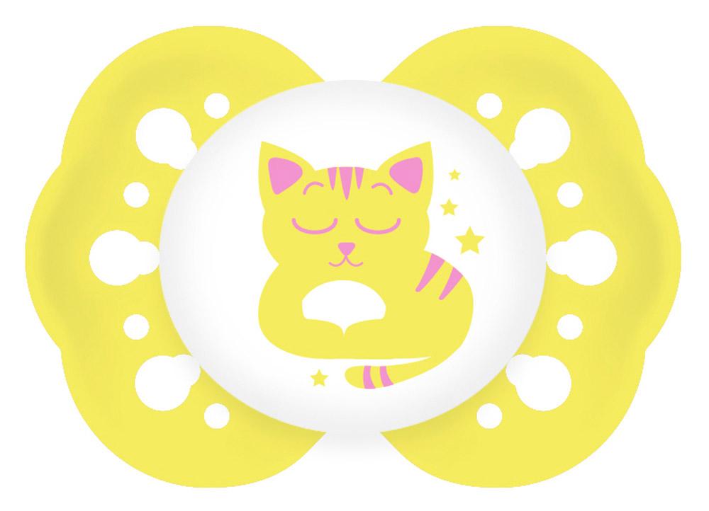 Lubby Пустышка силиконовая для сна Нежная Кошка от 0 месяцев7287_кошка/желтыйСиликоновая пустышка для сна Lubby Нежная предназначается для детей от 0 месяцев. Пустышка снабжена скошенной соской и традиционным ограничителем без кольца. Силиконовая соска пустышки не обладает вкусом и запахом, что делает ее наиболее приемлемой для малыша. Силикон - это мягкий и прозрачный материал, который не липнет и легко моется. Форма нагубника повторяет форму рта и обеспечивает удобство при движении нижней челюсти. Дополнительную безопасность обеспечивают большие вентиляционные отверстия. Все материалы абсолютно безопасны для здоровья ребенка. В наборе пустышка с колпачком. Силиконовая пустышка Lubby Нежная - это модный аксессуар, сочетающий качество, функциональность и положительные эмоции. Не содержит бисфенол А. Светится в темноте.