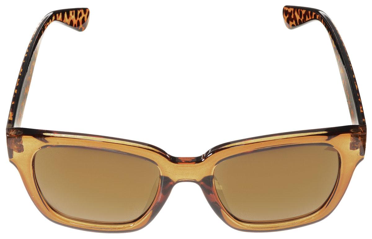 Очки солнцезащитные женские Vitacci, цвет: коричневый, черный. H53H53Стильные солнцезащитные очки Vitacci выполнены из высококачественного пластика. Линзы данных очков обладают высокоэффективным поляризационным покрытием со степенью защиты от ультрафиолетового излучения UV400. Используемый пластик не искажает изображение, не подвержен нагреванию и вредному воздействию солнечных лучей. Пластиковая оправа очков легкая, прилегающей формы и поэтому обеспечивает максимальный комфорт. Дужки оформлены пятнистым принтом. Такие очки защитят глаза от ультрафиолетовых лучей, подчеркнут вашу индивидуальность и сделают ваш образ завершенным.
