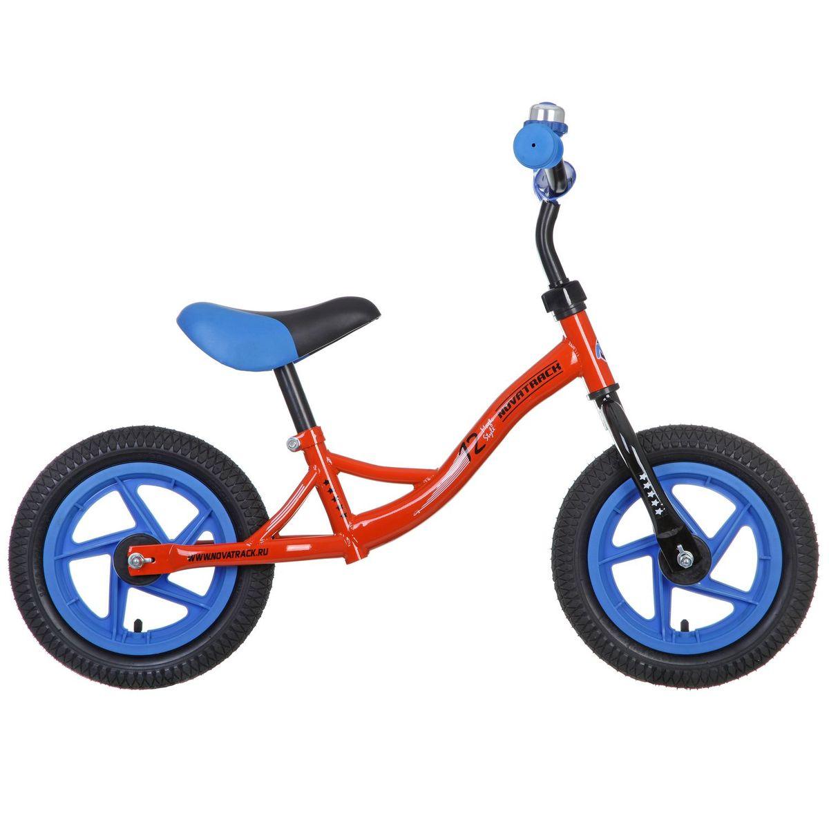 Беговел Novatrack Magic 12, цвет: оранжевый12MAGIC.OR6Беговел Novatrack Magic - это легкий и маневренный беговел, созданный специально для малышей. Эргономичное седло позволит ребенку комфортно разместиться на беговеле и легко отталкиваться ножками от земли. На беговел Novatrack Magic установлены колёса с шинами из пенорезины не боящиеся проколов и очень легкие. Для того, чтобы ребенок смог более уверенно чувствовать себя управляя беговелом, на руль установлены мягкие грипсы в форме грибочка, обеспечивающие удобный и надежный хват. Беговел Novatrack Magic выполнен из технологичного и легкого стального сплава и предназначен для детей от 1,5 до 4,5 лет. Высота сиденья и руля регулируется по высоте, гарантируя службу беговела как минимум на несколько сезонов. Хотите подарить своему чаду множество счастливых часов, проведенных на свежем воздухе? Тогда обратите внимание на беговел Novatrack Magic, который подойдёт как для самых маленьких ребятишек, не освоивших азы равновесия, и так же будет интересен более опытным и активным наездникам....