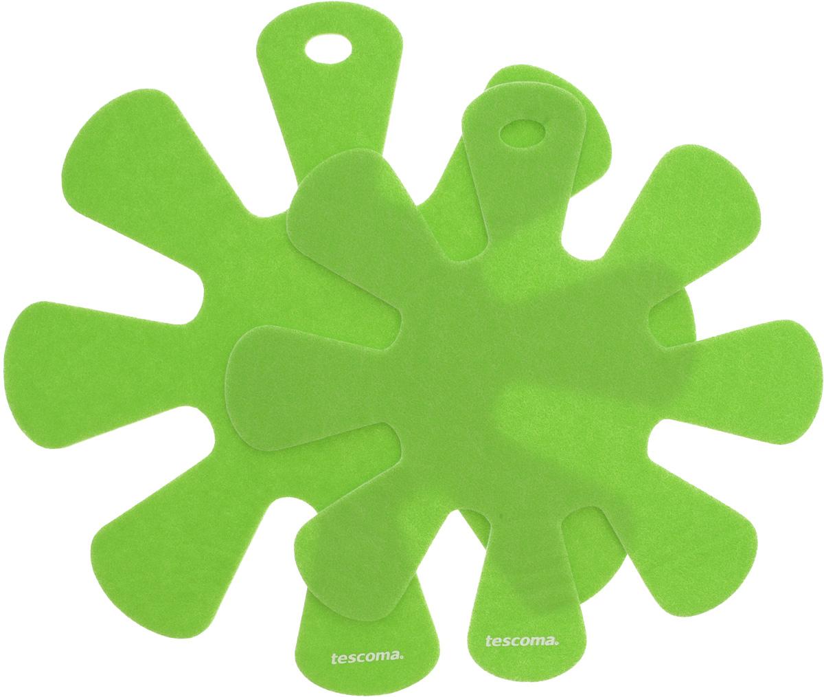 Протектор для хранения посуды Tescoma Presto, цвет: салатовый, 2 шт. 420884420884Протекторы для хранения посуды Tescoma Presto выполнены из прочной синтетической ткани. Они используются для защиты посуды с антипригарным покрытием при хранении на кухне. Подходят для посуды диаметром от 24 до 32 см и от 18 до 24 см. Нельзя использовать для горячей или неочищенной посуды. Не использовать в качестве подставки под горячее. Не использовать в посудомоечной машине. Рекомендуется обычная стирка при 40°С. Диаметр большого протектора: 38 см. Диаметр малого протектора: 32,5 см.