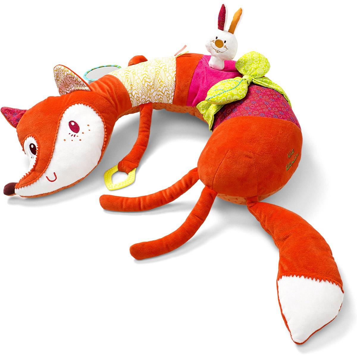 Lilliputiens Развивающая игрушка Лиса Алиса86608Развивающая игрушка Lilliputiens Лиса Алиса - это мягкая и красочная игрушка для вашего малыша. Не важно, сидит малыш или лежит, с лисой Алисой ему будет везде удобно. Она полна сюрпризов: звуки шелеста бумаги, пищалка, колокольчик, зеркало и прорезыватель. Изготовлена игрушка из высококачественных материалов, которые не вызывают аллергии. Яркая цветовая гамма положительно влияет на зрительный аппарат ребенка. Умилительный дизайн игрушки очаровывает с первого взгляда не только детей, но и их родителей. Продуманный внешний вид, состав материалов и развивающие элементы делают игрушку действительно уникальной. С этой симпатичной лисичкой малыш точно не заскучает!