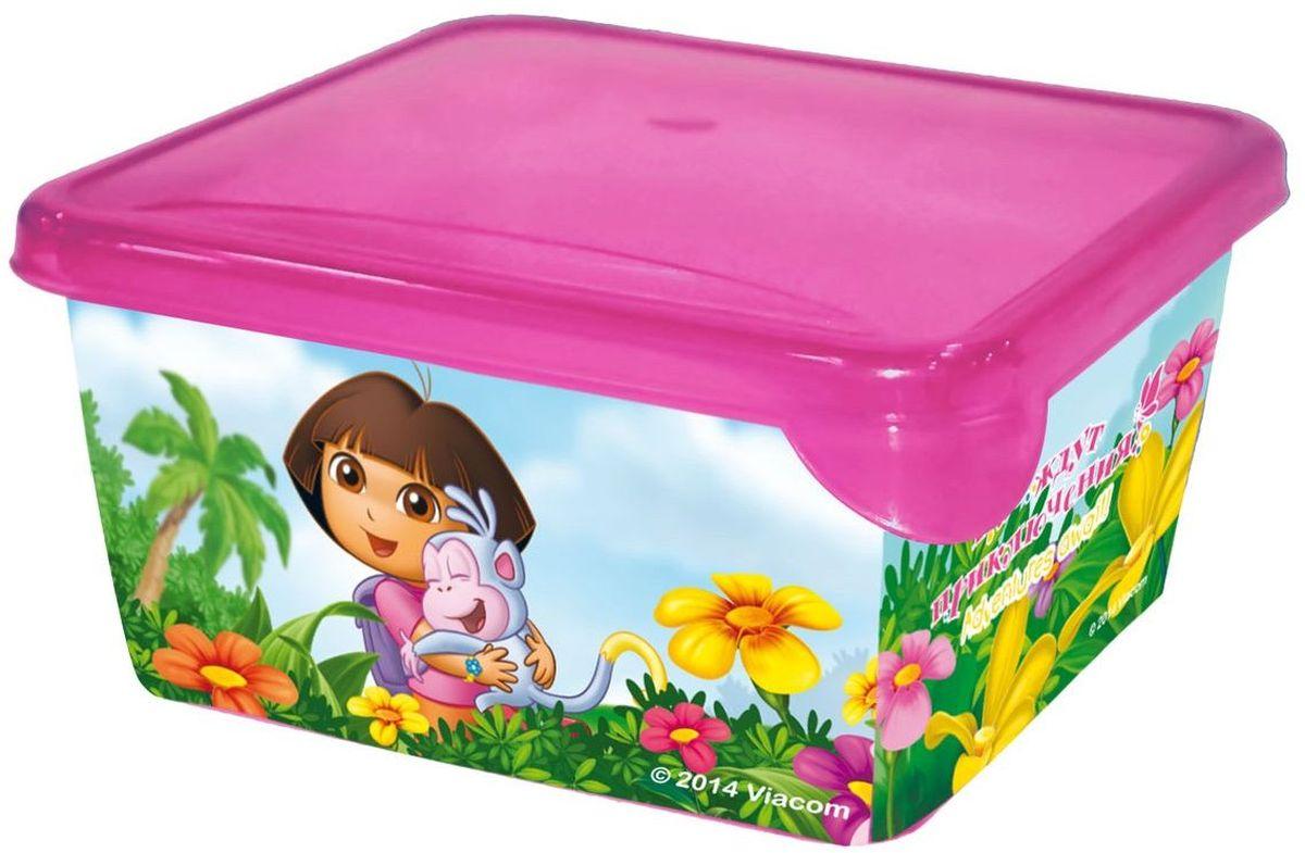 Little Angel Детская емкость для хранения Даша Путешественница 450 млLA0074DE1Уникальные емкости MINI подходят для хранения всего, что только можно придумать. Они изготовлены из пищевого пластика, поэтому их можно мыть в посудомоечной машине, и они идеально подходят для школьных завтраков. Емкости выдерживают минусовые температуры, поэтому в них можно замораживать ягоды и фрукты. Мы не говорим уже о хранении заколок, карандашей, деталей Лего и других мелких предметов.