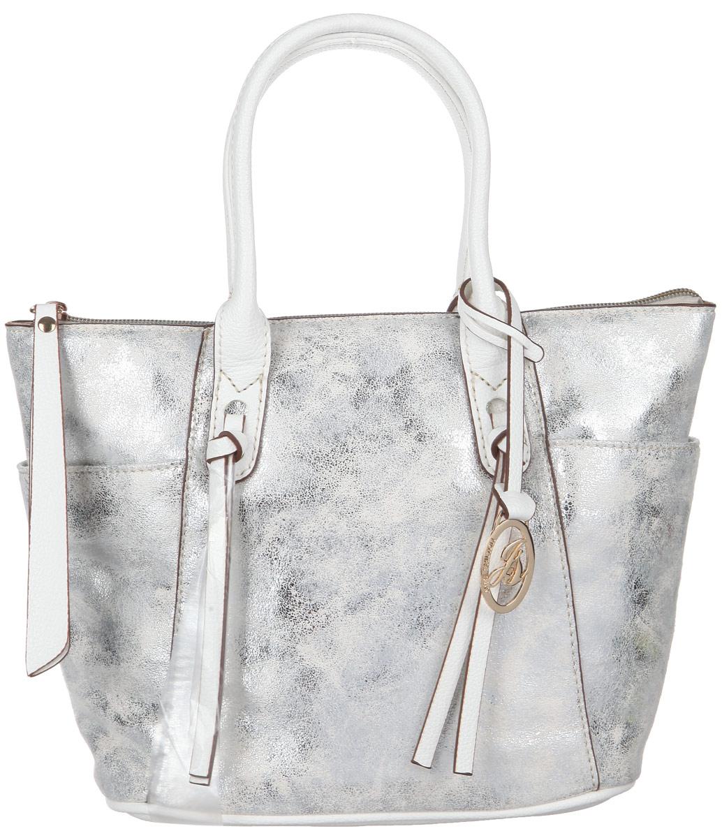 Сумка женская Jane Shilton, цвет: белый, серебристый. 20862086whСтильная женская сумка Jane Shilton, выполненная из мягкой искусственной кожи с блестящим покрытием, дополнена фирменным брелоком. Изделие имеет одно основное отделение, которое закрывается на застежку-молнию. Внутри находятся прорезной карман на застежке-молнии и накладной открытый карман. Снаружи, по бокам расположены нашивные открытые карманы. Модель оснащена двумя удобными ручками. В комплект входит съемный плечевой ремень. Роскошная сумка внесет элегантные нотки в ваш образ и подчеркнет ваше отменное чувство стиля.
