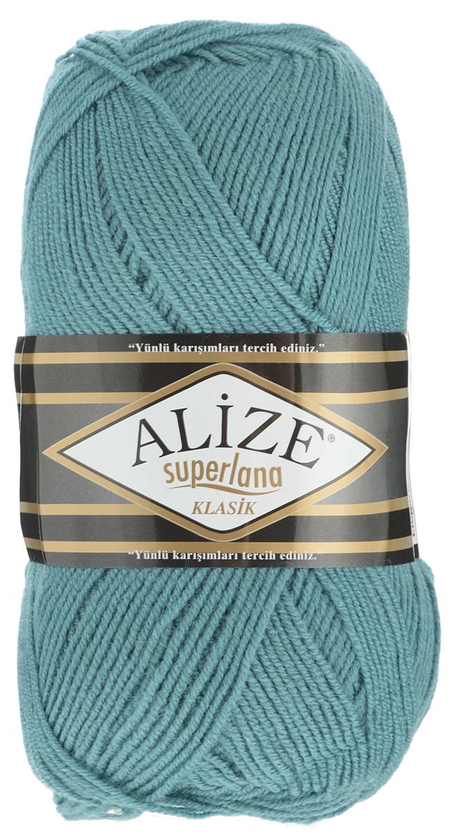Пряжа для вязания Alize Superlana Klasik, цвет: хвоя (164), 280 м, 100 г, 5 шт692917_164Классическая пряжа Alize Superlana Klasik имеет среднюю толщину нити и состоит из 25% шерсти и 75% акрила. Подходит для вязания теплых вещей. Пуловеры, платья, кардиганы, шапки и шарфы из этой пряжи отлично держат форму и прекрасно согреют вас в холодную погоду. Благодаря составу и скрутке, петли отлично ложатся одна к другой, вязаное полотно получается ровное и однородное. Пряжа рассчитана на любой уровень мастерства, но особенно понравится начинающим мастерицам - благодаря толстой нити пряжа Alize Superlana Klasik позволяет быстро связать простую вещь. Структура и состав пряжи максимально комфортны для вязания. Рекомендуемый размер спиц и крючка: № 3-4 мм. Состав: 75% акрил, 25% шерсть.
