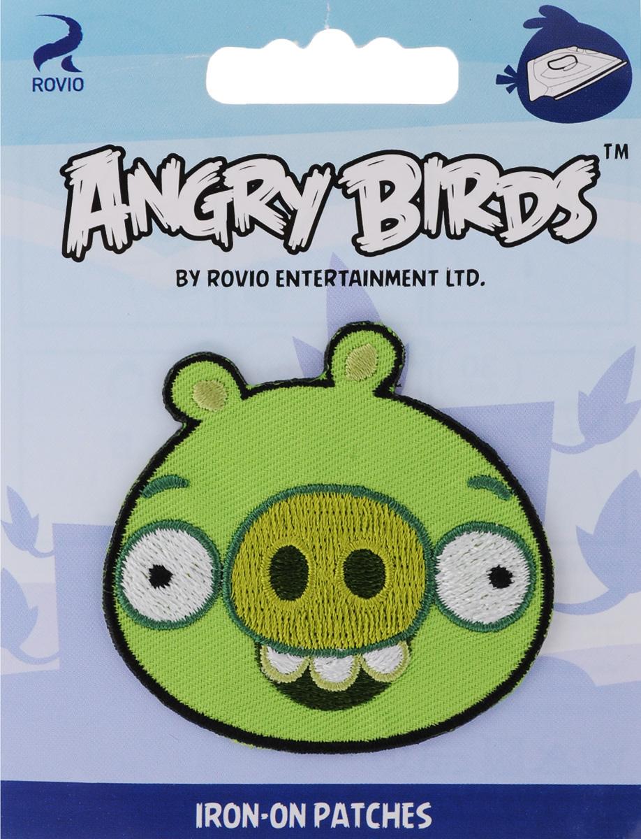Термоаппликация Prym Angry Birds. Свинья, 5,7 х 5,7 см694169_зеленая свиньяТермоаппликация Prym Angry Birds. Свинья изготовлена из полиэстера и декорирована красивой вышивкой в виде героя из мультфильма. Изделие закрепляется на ткани при помощи утюга. Накройте аппликацию тканью и прогладьте утюгом под давлением 20-30 секунд. Проутюжьте с обратной стороны и дайте остыть. Можно закреплять аппликацию стежками. Не закрепляйте аппликацию утюгом на деликатных тканях. С такой термоаппликацией вы сможете обновить старые джинсы, рубашки, кофты, детскую одежду, вещь станет неповторимой и особенной.