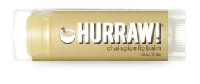 Hurraw! Бальзам для губ Chai Spice Lip Balm, 4,3 г005021Бальзамы для губ Hurraw! производятся в США на небольшом домашнем производстве. Идея создателей бренда заключалась в том, чтобы разработать поистине идеальный бальзам для губ: натуральный, вегетарианский, произведенный из органических ингредиентов высочайшего качества и не содержащий вредных веществ и искусственных компонентов. Все бальзамы Hurraw! производятся из чистого органического масла, которое добывается путем холодного отжима, что позволяет всем веществам сохранять свои полезные свойства. Помимо этого, приятно знать, что продукция марки Hurraw! не содержит ингредиентов животного происхождения и никогда не тестируется на животных. А еще бальзамы разливаются по флакончикам вручную!