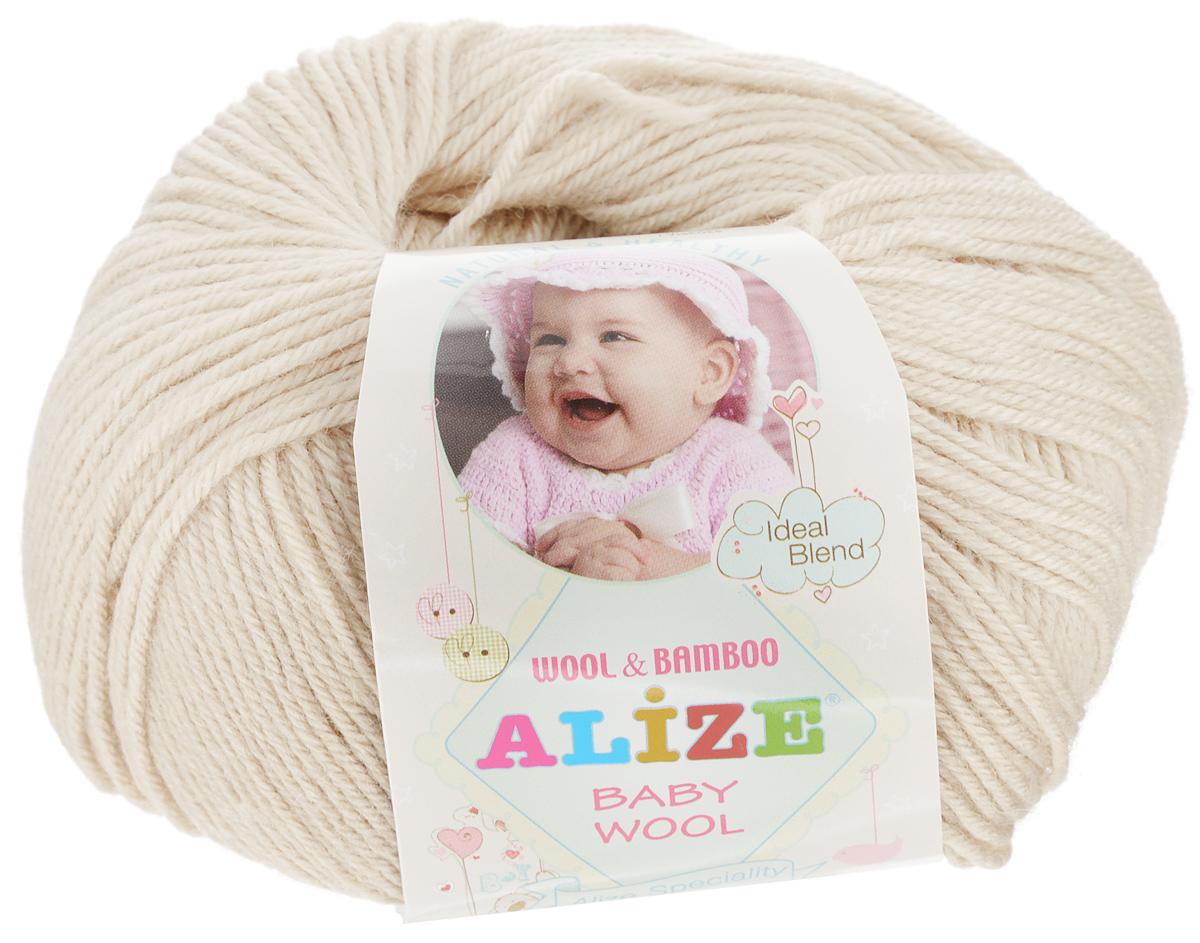 Пряжа для вязания Alize Baby Wool, цвет: светло-бежевый (310), 175 м, 50 г, 10 шт686501_310Детская пряжа для вязания Alize Baby Wool изготовлена из очень мягкой и высококачественной натуральной шерсти и бамбука. Из пряжи Baby Wool получается тонкий, но очень теплый трикотаж для ребенка. Акрил в составе нитей допускает легкую машинную стирку вещей. Цветовая палитра включает в себя комбинации, которые подходят как для мальчиков, так и для девочек. Рекомендуемые спицы для вязания: № 2,5-4 мм, Крючки: № 1-3 мм. Комплектация: 10 мотков. Состав: 40% шерсть, 40% акрил, 20% бамбук.