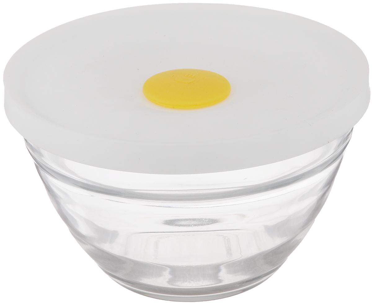 Чаша для СВЧ Glasslock, 330 млRB-637MHSЧаша Glasslock, выполненная из стекла, предназначена для использования в микроволновой печи, а также она подходит для хранения в холодильнике и морозильной камере. Изделие плотно и герметично закрывается силиконовой крышкой, что позволяет продуктам дольше оставаться свежими, сохранять аромат и вкус. Благодаря прозрачным стенкам, можно видеть содержимое. Такая чаша подходит для повседневного использования. Также в ней можно приготовить салаты. Приятный дизайн подойдет практически для любого случая. Можно мыть в посудомоечной машине. Не использовать в духовке. Объем чаши: 330 мл. Размер чаши: 13,5 х 13,5 х 8,5 см.