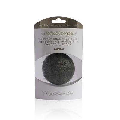 The Konjac Sponge Co Спонж для умывания лица мужской Premium Gentlemens Sponge with Bamboo Charcoal (премиум-упаковка)801353Полностью натуральный спонж из растительной клетчатки для умывания лица (с добавлением бамбукового угля для более эффективного очищения жирной кожи). Также может использоваться для взбивания пены для бритья. Не содержит химикатов, красителей, аллергенов. На 100% биоразлагаемый. Используется во влажном состоянии. Диаметр – ок. 8 см (без учета упаковки). Способ применения: Перед употреблением тщательно промойте и дайте спонжу Конняку впитать воду. Аккуратно отожмите спонж от лишней воды и нежно очищайте кожу. Массируйте круговыми движениями. Спонж Конняку нежно отшелушивает кожу, очищает и освежает ее. Нет необходимости использовать очищающие средства, но при желании можете добавить немного любимого средства. Спонж Конняку усиливает эффект очищающих средств. Состав: Растительная клетчатка, бамбуковый уголь.