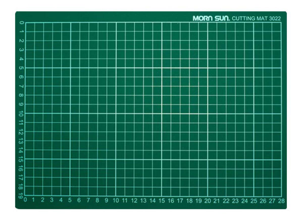 Коврик для резки Morn Sun, самовосcтанавливающийся, цвет: зеленый, 22 х 30 смMS-12114Плотная основа для резания из многослойного синтетического материала. Имеет разметку. Позволяет резать ножом мягко и безопасно. твердый промежуточный слой предотвращает прорезывание коврика,а благодаря специальному покрытию оставляемые на поверхности разрезы не видны. Используется для защиты мебельной поверхности.