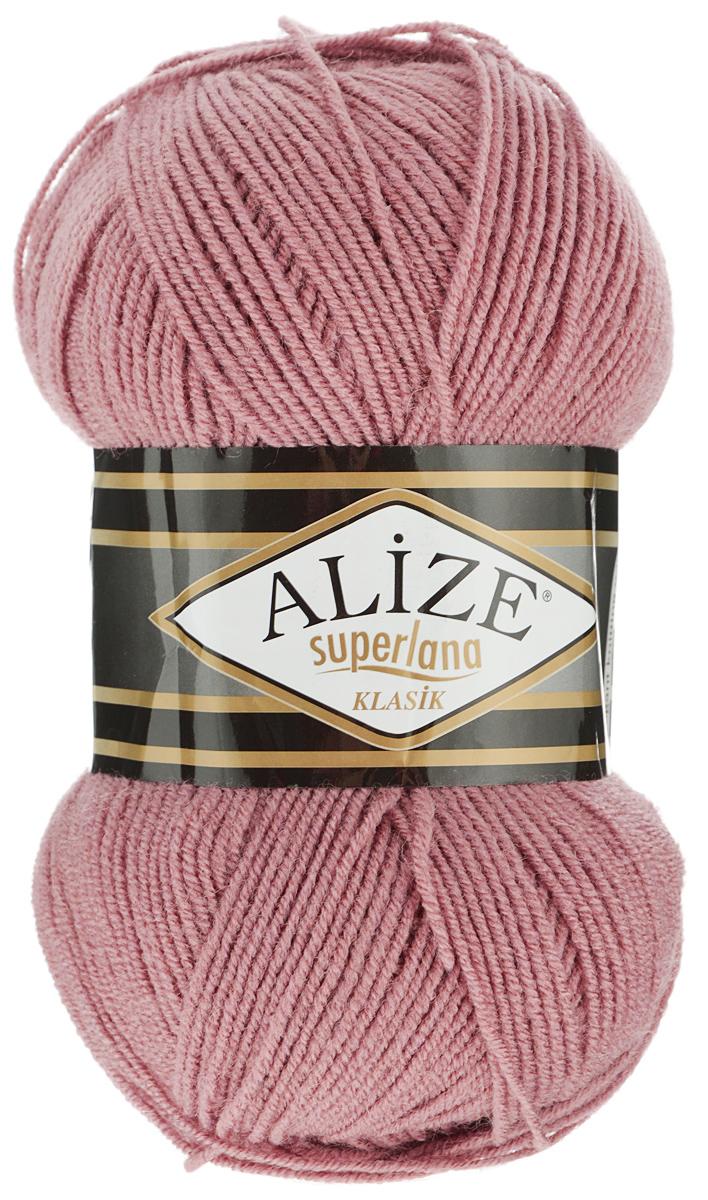 Пряжа для вязания Alize Superlana Klasik, цвет: темно-розовый (679), 280 м, 100 г, 5 шт692917_679Классическая пряжа Alize Superlana Klasik имеет среднюю толщину нити и состоит из 25% шерсти и 75% акрила. Подходит для вязания теплых вещей. Пуловеры, платья, кардиганы, шапки и шарфы из этой пряжи отлично держат форму и прекрасно согреют вас в холодную погоду. Благодаря составу и скрутке, петли отлично ложатся одна к другой, вязаное полотно получается ровное и однородное. Пряжа рассчитана на любой уровень мастерства, но особенно понравится начинающим мастерицам - благодаря толстой нити пряжа Alize Superlana Klasik позволяет быстро связать простую вещь. Структура и состав пряжи максимально комфортны для вязания. Рекомендуемый размер спиц и крючка: № 3-4 мм. Состав: 75% акрил, 25% шерсть.