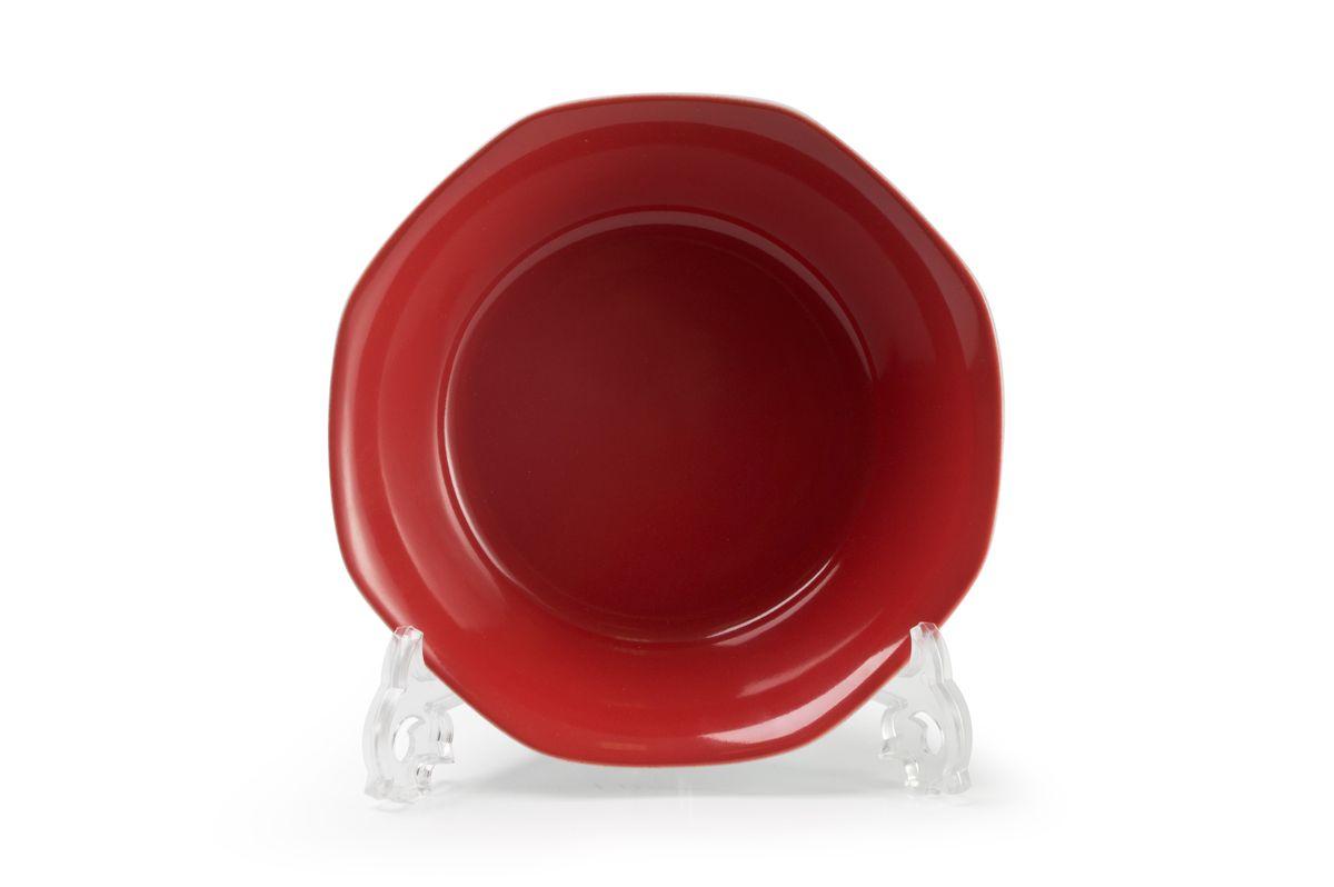 Салатник La Rose des Sables Putoisage Rouge, диаметр 18 см551618 3067Салатник La Rose des Sables Putoisage Rouge выполнен из высококачественного тунисского фарфора, изготовленного из уникальной белой глины. На всех изделиях La Rose des Sables можно увидеть маркировку Pate de Limoges. Это означает, что сырье для изготовления фарфора добывают во французской провинции Лимож, и качество соответствует высоким европейским стандартам. Все производство расположено в Тунисе. Особые свойства этой глины, открытые еще в 18 веке, позволяют создать удивительно тонкую, легкую и при этом прочную посуду. Благодаря двойному термическому обжигу фарфор обладает высокой ударопрочностью, стойкостью к сколам и трещинам, жаропрочностью и великолепным блеском глазури. Коллекция Putoisage Rouge - яркий пример посуды в современном дизайне. Стильное сочетание лаконичной формы и красного цвета делает посуду уникальной. Стол, сервированный посудой Putoisage Noir, будет выглядеть изящно и приковывать к себе взгляды. Можно использовать в СВЧ печи и мыть в...