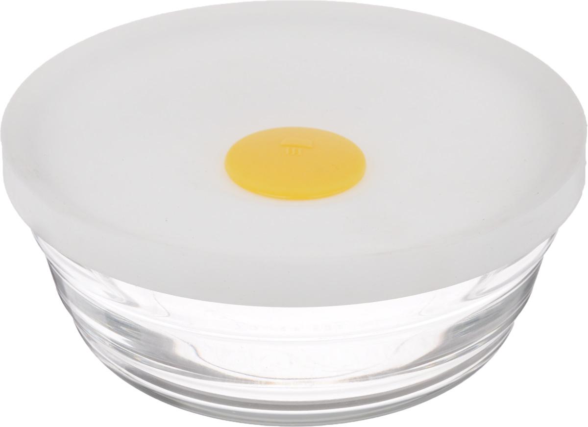 Чаша для СВЧ Glasslock, 310 млRP-506MHS (RBP-506MHS)Чаша Glasslock, выполненная из стекла, предназначена для использования в микроволновой печи, а также она подходит для хранения в холодильнике и морозильной камере. Изделие плотно и герметично закрывается силиконовой крышкой, что позволяет продуктам дольше оставаться свежими, сохранять аромат и вкус. Благодаря прозрачным стенкам, можно видеть содержимое. Такая чаша подходит для повседневного использования. Также в ней можно приготовить салаты. Приятный дизайн подойдет практически для любого случая. Можно мыть в посудомоечной машине. Не использовать в духовке. Объем чаши: 310 мл. Размер чаши: 11,5 х 11,5 х 5 см.