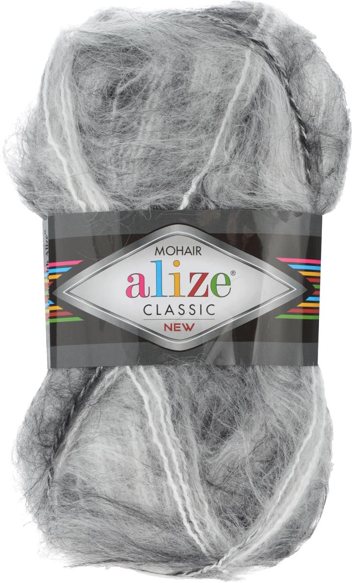 Пряжа для вязания Alize Mohair Classik New, цвет: белый, серый (55-60), 200 м, 100 г, 5 шт582105_55-60Классическая мохеровая пряжа Alize Mohair Classik New для ручного вязания, тонкая, мягкая, деликатная нить, хорошо скрученная. Послушная нить, которая отлично подходит для опытных вязальщиц и для начинающих рукодельниц. Легкая и гибкая пряжа с акрилом, придающим готовым вещам практичность. Благодаря пушистому мохеру можно использовать самый простой узор и при этом изделие будет выглядеть великолепно. Высококачественная пряжа, равномерно окрашенная, не линяет. Мягкая, теплая нить прекрасно подходит для взрослой и детской зимней одежды. Пушистость пряжи в изделии без сложных узлов даже с ровной вязкой будет придавать одежде особый шарм. Состав: 25% мохер, 24% шерсть, 51% акрил. Рекомендованные спицы № 5-7, крючок № 2-4.