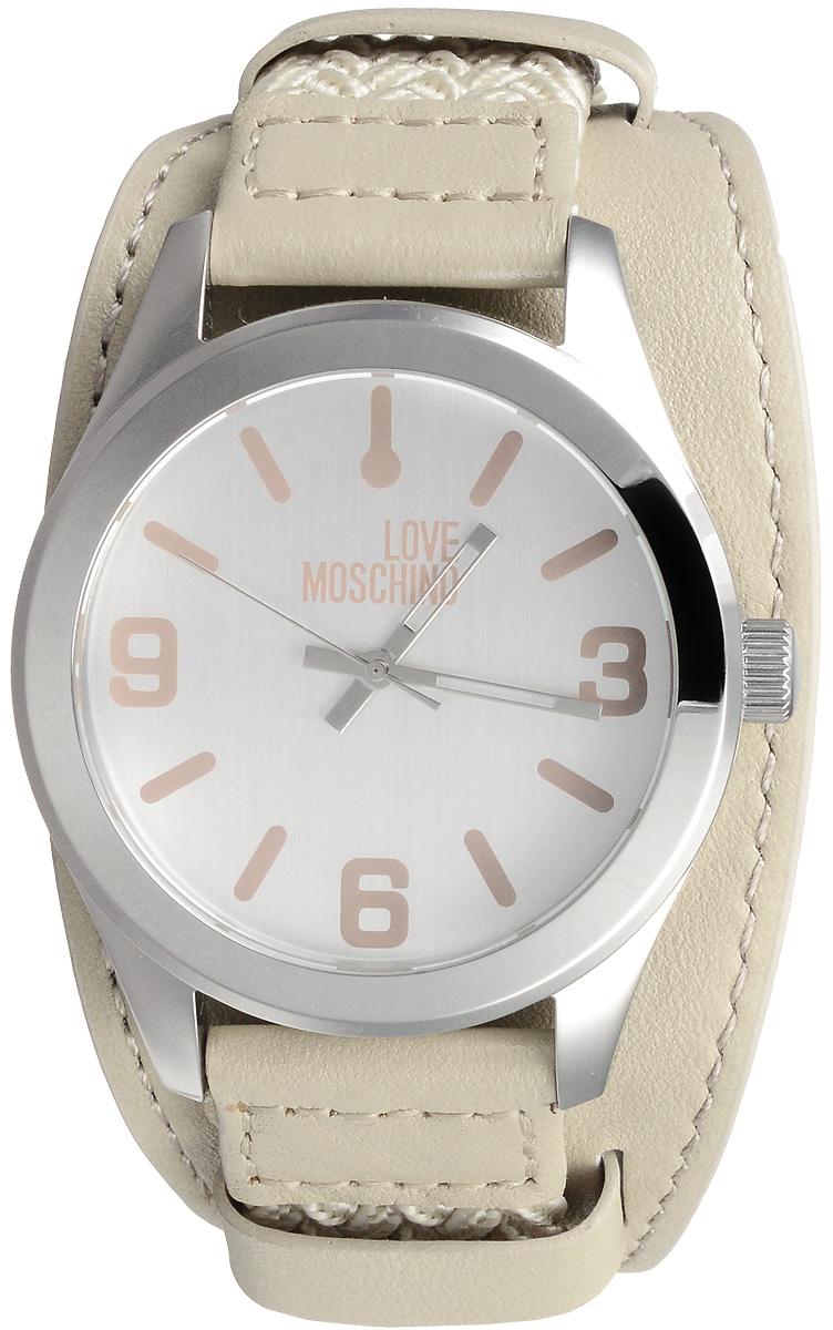 Часы наручные Moschino, цвет: бежевый, серебристый. MW0413MW0413Наручные часы Moschino произведены опытными специалистами из материалов самого высокого качества на базе новейших технологий. Они оснащены точным кварцевым механизмом. Водонепроницаемый корпус часов, изготовленный из нержавеющей стали, защищен минеральным стеклом. Ремешок, состоящий из двух частей: текстильной основной и кожаной съемной, имеет классическую застежку. Циферблат круглой формы оснащен арабскими цифрами, отметками и тремя стрелками - часовой, минутной и секундной. Изделие укомплектовано в фирменную металлическую коробку с названием бренда. Размер съемного ремешка: 11,3 х 4,8 см.
