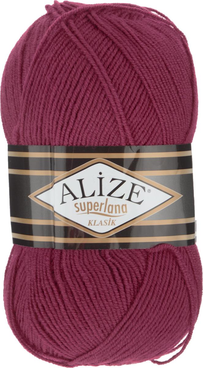 Пряжа для вязания Alize Superlana Klasik, цвет: бордовый (390), 280 м, 100 г, 5 шт692917_390Классическая пряжа Alize Superlana Klasik имеет среднюю толщину нити и состоит из 25% шерсти и 75% акрила. Подходит для создания вещей на осень. Пуловеры, платья, кардиганы, шапки и шарфы из этой пряжи отлично держат форму и прекрасно согреют вас в холодную погоду. Благодаря составу и скрутке, петли отлично ложатся одна к другой, вязаное полотно получается ровное и однородное. Пряжа рассчитана на любой уровень мастерства, но особенно понравится начинающим мастерицам - благодаря толстой нити пряжа Alize Superlana Klasik позволяет быстро связать простую вещь. Структура и состав пряжи максимально комфортны для вязания. Рекомендуемый размер спиц и крючка: № 3-4 мм. Состав: 75% акрил, 25% шерсть.