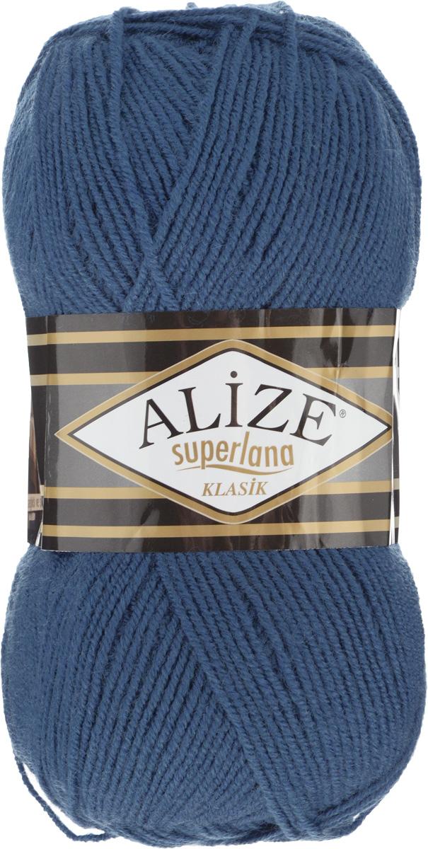 Пряжа для вязания Alize Superlana Klasik, цвет: синий (93), 280 м, 100 г, 5 шт692917_93Классическая пряжа Alize Superlana Klasik имеет среднюю толщину нити и состоит из 25% шерсти и 75% акрила. Подходит для создания вещей на осень. Пуловеры, платья, кардиганы, шапки и шарфы из этой пряжи отлично держат форму и прекрасно согреют вас в холодную погоду. Благодаря составу и скрутке, петли отлично ложатся одна к другой, вязаное полотно получается ровное и однородное. Пряжа рассчитана на любой уровень мастерства, но особенно понравится начинающим мастерицам - благодаря толстой нити пряжа Alize Superlana Klasik позволяет быстро связать простую вещь. Структура и состав пряжи максимально комфортны для вязания. Рекомендуемый размер спиц и крючка: № 3-4 мм. Состав: 75% акрил, 25% шерсть.