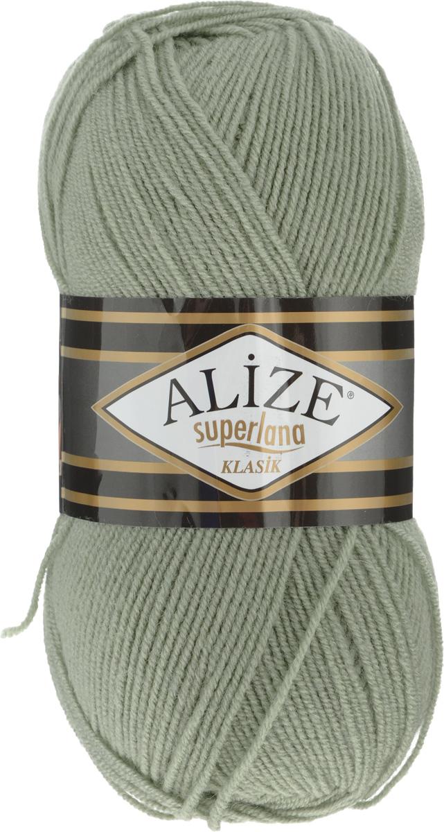 Пряжа для вязания Alize Superlana Klasik, цвет: зеленый миндаль (138), 280 м, 100 г, 5 шт692917_138Классическая пряжа Alize Superlana Klasik имеет среднюю толщину нити и состоит из 25% шерсти и 75% акрила. Подходит для вязания теплых вещей. Пуловеры, платья, кардиганы, шапки и шарфы из этой пряжи отлично держат форму и прекрасно согреют вас в холодную погоду. Пряжа Alize Superlana Klasik - это универсальность: подойдет для мастериц различного уровня. Благодаря составу и скрутке, петли отлично ложатся одна к другой, вязаное полотно получается ровное и однородное. Рассчитана на любой уровень мастерства, но особенно понравится начинающим мастерицам - благодаря толстой нити пряжа Alize Superlana Klasik позволяет быстро связать простую вещь. Структура и состав пряжи максимально комфортны для вязания. Рекомендуется для вязания крючком и на спицах 3-4 мм. Состав: 75% акрил, 25% шерсть. Количество мотков: 5 шт.