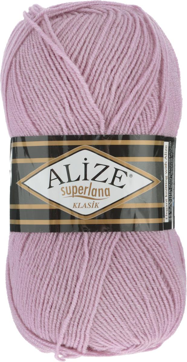Пряжа для вязания Alize Superlana Klasik, цвет: розовый (295), 280 м, 100 г, 5 шт692917_295Классическая пряжа Alize Superlana Klasik имеет среднюю толщину нити и состоит из 25% шерсти и 75% акрила. Пуловеры, платья, кардиганы, шапки и шарфы из этой пряжи отлично держат форму и прекрасно согреют вас в холодную погоду. Пряжа Alize Superlana Klasik - это универсальность: подойдет для мастериц различного уровня. Благодаря составу и скрутке петли отлично ложатся одна к другой, вязаное полотно получается ровное и однородное. Рассчитана на любой уровень мастерства, но особенно понравится начинающим мастерицам - благодаря толстой нити пряжа Alize Superlana Klasik позволяет быстро связать простую вещь. Структура и состав пряжи максимально комфортны для вязания. Рекомендуется для вязания крючком и на спицах 3-4 мм. Состав: 75% акрил, 25% шерсть. Количество мотков: 5 шт.