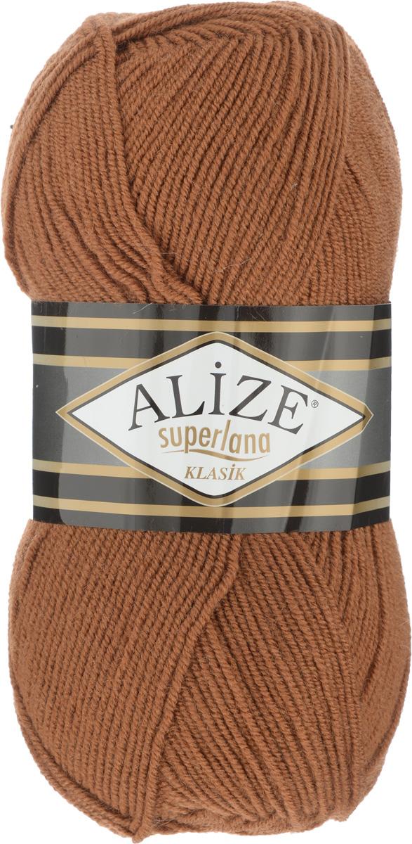 Пряжа для вязания Alize Superlana Klasik, цвет: корица (), 280 м, 100 г, 5 шт692917_Классическая пряжа Alize Superlana Klasik имеет среднюю толщину нити и состоит из 25% шерсти и 75% акрила. Подходит для вязания теплых вещей. Пуловеры, платья, кардиганы, шапки и шарфы из этой пряжи отлично держат форму и прекрасно согреют вас в холодную погоду. Пряжа Alize Superlana Klasik - это универсальность: подойдет для мастериц различного уровня. Благодаря составу и скрутке, петли отлично ложатся одна к другой, вязаное полотно получается ровное и однородное. Рассчитана на любой уровень мастерства, но особенно понравится начинающим мастерицам - благодаря толстой нити пряжа Alize Superlana Klasik позволяет быстро связать простую вещь. Структура и состав пряжи максимально комфортны для вязания. Рекомендуется для вязания крючком и на спицах 3-4 мм. Состав: 75% акрил, 25% шерсть. Количество мотков: 5 шт.