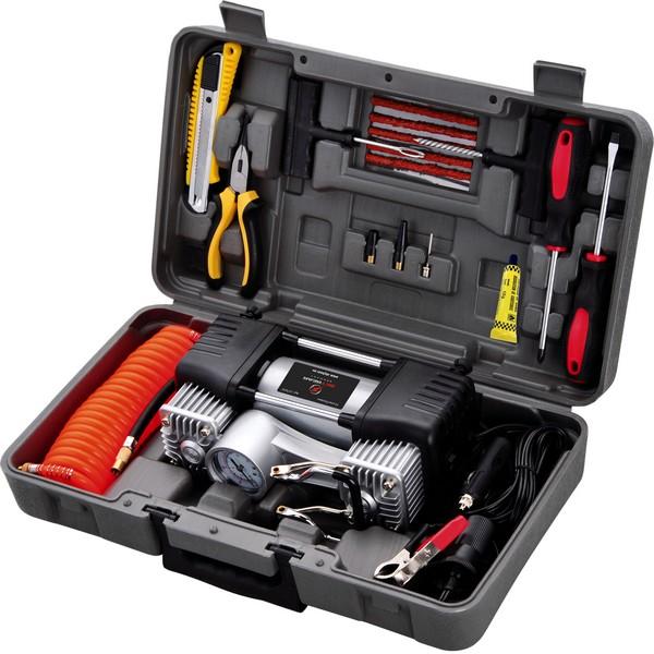 Автомобильный набор с компрессором Skybear. 217010217010Автомобильный набор с компрессором. В состав набора входит: 1 шт.- Компрессор 12 В. Максимальное давление - 10 атм./150 PSI. Производительность 70 л/мин. Шнур - 3 м. Шланг - 65 см. 3 шт. - адаптера для накачки шин автомобилей, мотоциклов, велосипедов, мячей и т. д. 1 шт. -адаптер для подключения компрессора к АКБ автомобиля. 1 шт.- отвертка шлицевая. 1 шт.- отвертка крестовая. 1 шт. — Бокорезы. 1 шт.- нож строительный. 1 шт.- Набор для ремонта бескамерных шин. 1 шт.- Клей самовулканизирующийся. Кейс из ударопрочного пластика.